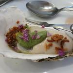 ビストロ ダイア - 仙鳳趾(厚岸)の牡蠣はアボガドジュレで
