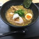 百戦麺磨 鬼武者 - 武者醤油ラーメン(^∇^)