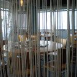 バル居酒屋 TWO SPOON - マンションを改造したみたいな店内。