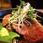 42730541 - 牛ヒレ肉の炭火焼肉丼