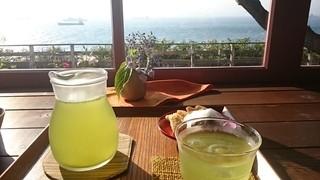 ティーショップ夕日 - かぶせ茶と海