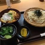 42734781 - カツ丼セット930円
