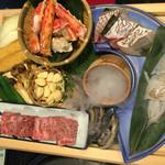 42736530 - 石焼食材 イカ、鯛の昆布締め、佐賀牛、タラバ蟹、ニンニク、松茸、オクラ、厚揚げ、玉ねぎ