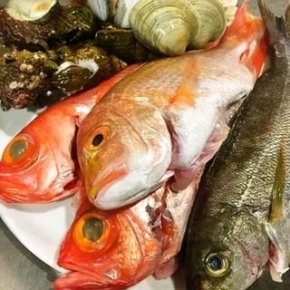 新鮮な魚介を贅沢に使った南イタリア料理