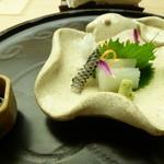 懐石料理 桝田 - お造り(めいちだいと烏賊)
