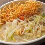 タンメン でこ - 五目あんかけバリそば・香ばしい揚げ麺にたっぷり野菜の五目あんかけ