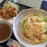 Qさんの上海厨房 - ウインナーとレタス入り炒飯ですよ♪♪