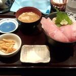 42754567 - 特選マグロ丼(950円)