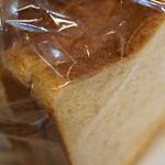 バックハウス ブラウ - 料理写真:食パン≪2015.10月再訪≫