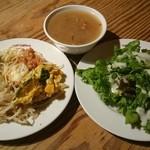 42757646 - 前菜ブッフェにサラダ、スープ