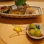 露庵 菊乃井 - 料理写真:八寸(鱧、秋刀魚の鮨・サフランライス、茶巾、銀杏など)