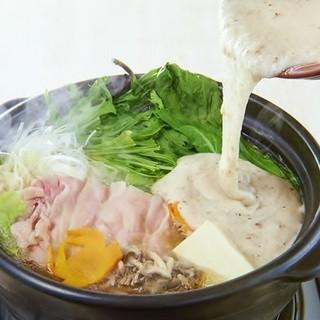 栄養まるごと◎種類豊富な自然薯とろろ鍋
