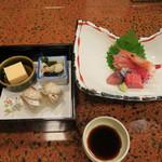 旅館 松風荘 - 料理写真:前妻とお造り