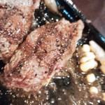 42772210 - お肉のアップ