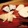 北海道産 チーズ盛り合わせ  ~オニオンクラッカー添え~