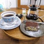 ますや - チョコレートケーキ、コーヒー
