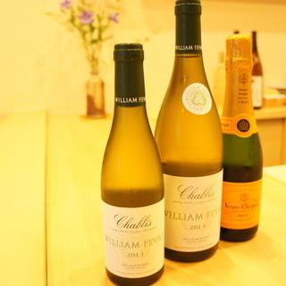日本酒からワイン類まで幅広くご用意させて頂いております。