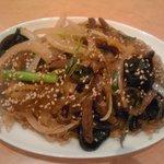 韓国料理 ドントン - チャプチェ 680円