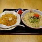 パピヨン亭 - キムチ炒飯+ラーメン