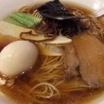 イツワ製麺所食堂 - 醤油ラーメンと卵