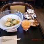 4279191 - カフェオレとモーニングセット(ホウレン草のサラダ)♪