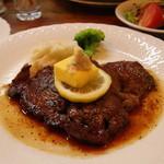 西洋料理杉山亭 - ビーフステーキ 1650円。