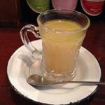 42792729 - レンズ豆のスープ。スパイスの風味が面白い。