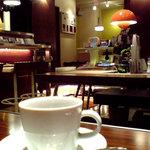 デトックス - コーヒー、奥の席