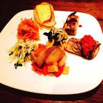 サボウ・シガ シロガネ - 《 おまかせプレート 》 お野菜・お肉・お魚etc... 栄養満点のお皿♪♪♪