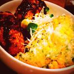 サボウ・シガ シロガネ - 《 キャベツざくざくメンチ〜たっぷりグリーンサラダ 》 とうもろこしの磯辺揚げも美味しい♪♪♪