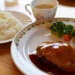 チーズ・シェッド - 料理写真:チーズハンバーグ(1010円)
