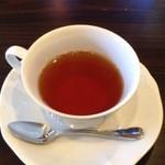 ティアラ - ランチセットの紅茶