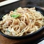 勝ちゃん食堂 - 料理写真:ホルモンうどん800円