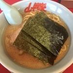 山岡家 - 料理写真:醤油ラーメン 2015年10月