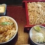 春日野 - 料理写真:小天丼とお蕎麦のセット 1,050円