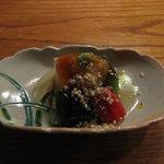 蛍屋 - おくらのゼリー寄せとウニと里芋のゼリー寄せに白エビのせ