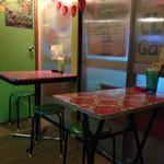 カタコト - テーブル席