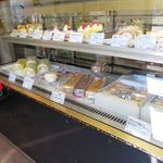KiKi洋菓子店 - 店内ケーキのケース