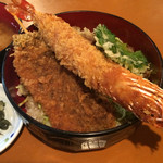 Kujiranotomisui - 登美粋丼