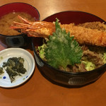 Kujiranotomisui - 登美粋丼 ¥850