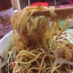 42820860 - 卵麺と揚げ麺の食感のコンビネーションが面白い。イエローカレーも激辛で、激ウマです。