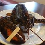 ビストロシュン - ◆私は「オマールエビ1/2ロースト(+1000円)」を頂きます。       こちらのオマール料理、以前から好きですので楽しみですね。       オマール様、まだお元気です。(^^;)