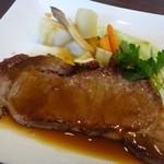 ビストロシュン - ◆主人は「牛ロース150gステーキ(+1000円)」をチョイス。       150gですので、ボリュームがありますよ。       柔らかく美味しいと申しておりました。