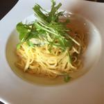 レガーロ - 【今月のパスタから】カキと水菜のクリ-ムソ-ス