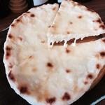 ナマステガネシャ - チーズナン