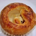 42840950 - りんごパン 180円