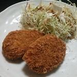 お肉のおかだ - 料理写真:近江牛入り手作りコロッケ@350円