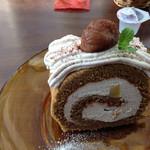 EGOGE - マロンクリームのコーヒーロールケーキ