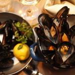 名物!ムール貝の白ワイン蒸し(100g)