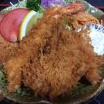 すず広 - 大きなエビフライ・帆立フライ・白身魚フライ